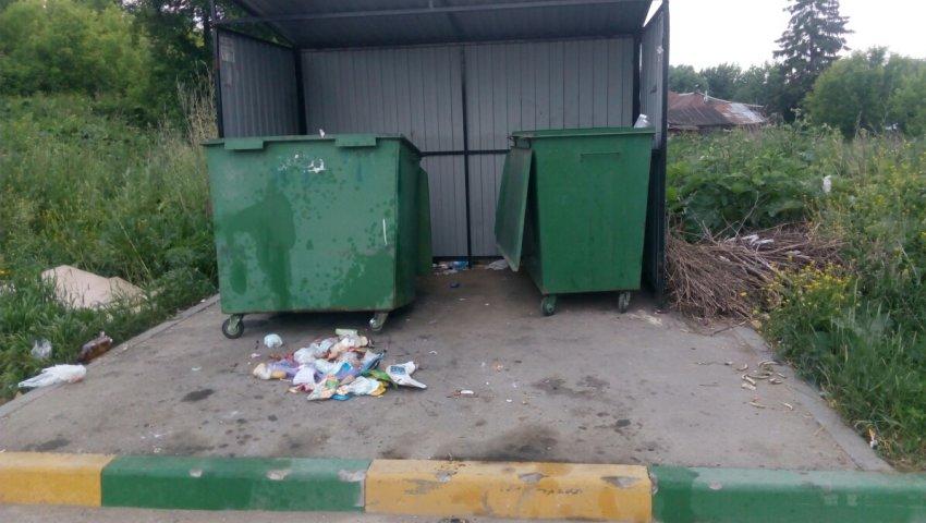 В Челябинске похищают металлические контейнеры для мусора
