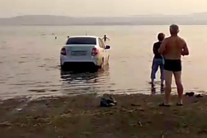 Случай у озера...