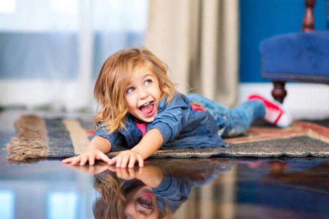 А вы знаете, чем Ваш ребенок занимается пока родителей нет дома?