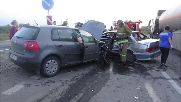 На трассе Южноуральск - Магнитогорск столкнулись два автомобиля