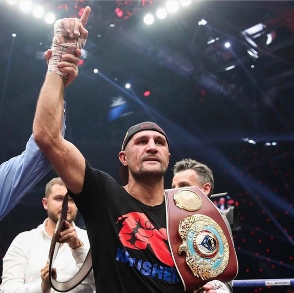 Южноуральский боксер защитил пояс чемпиона мира