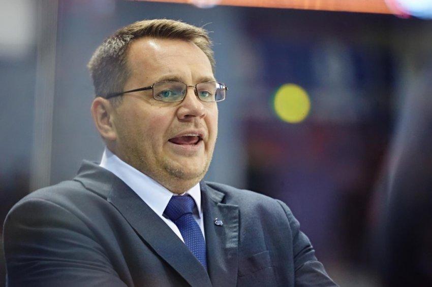 Хоккейный тренер рассказал о том, как воруют хоккеистов