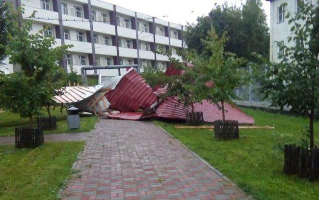 У санатория МВД снесло крышу