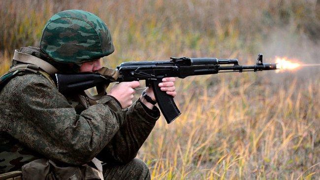 Солдат открыл огонь по сослуживцам