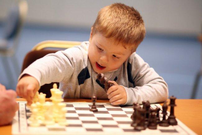 Прививают любовь к шахматам