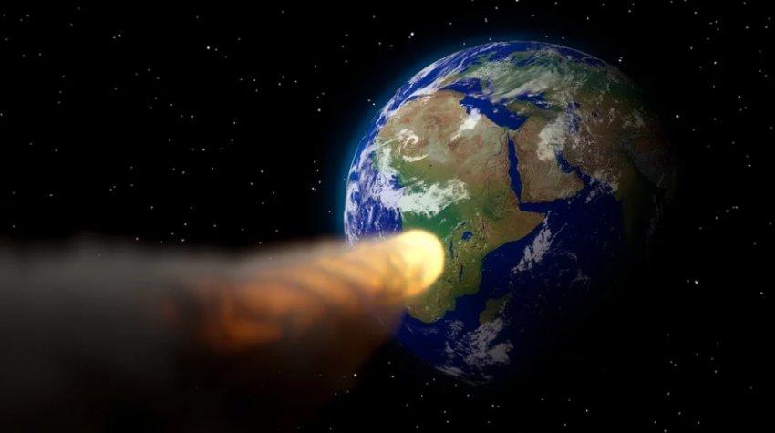 К Земле несется астероид