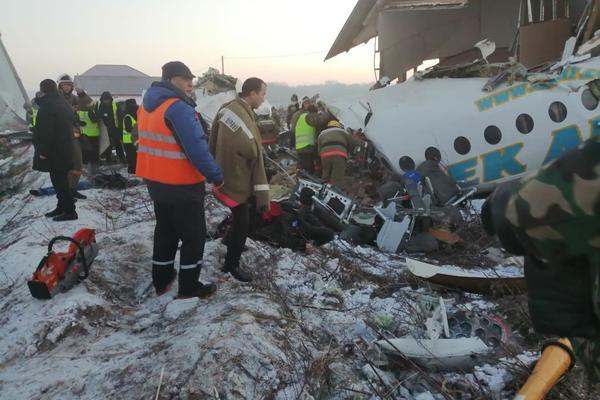 В Казахстане упал пассажирский самолёт