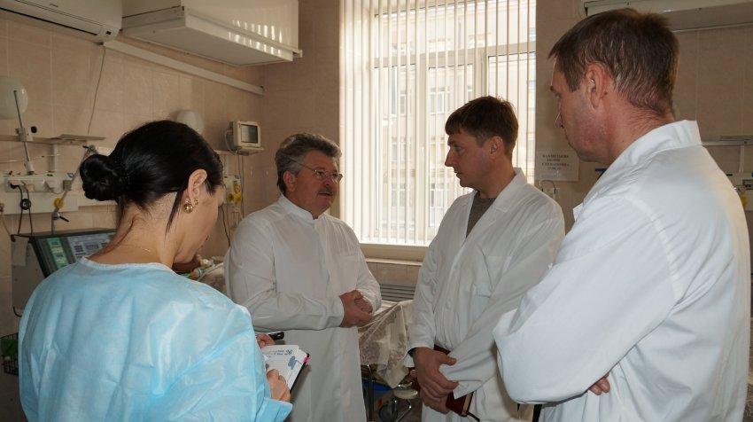 Министр проверил больницы
