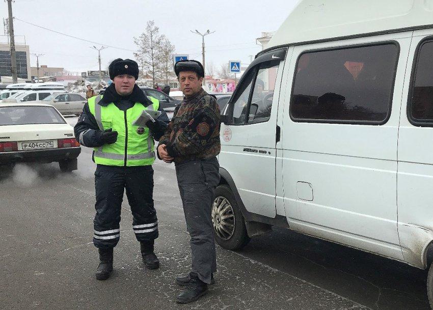 Сотрудники ГИБДД проверили маршрутки