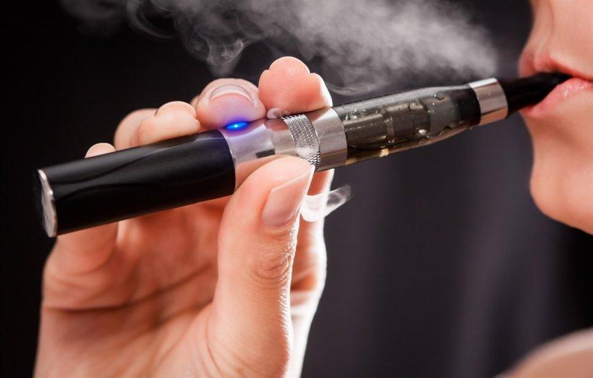 Электронные сигареты приравняли к обычным