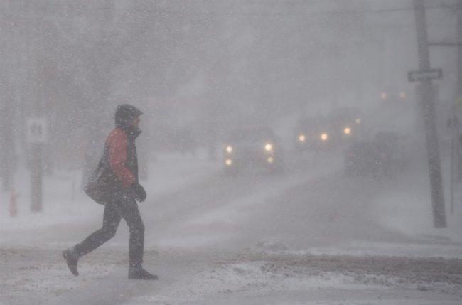Сильный снегопад и метель