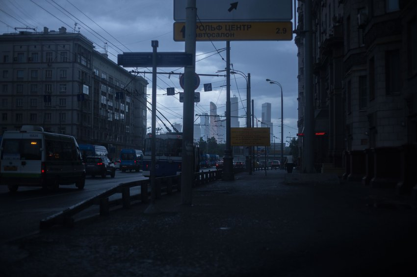 Москва закрывается из-за коронавируса