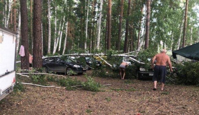 На Челябинскую область обрушился мощный ураган