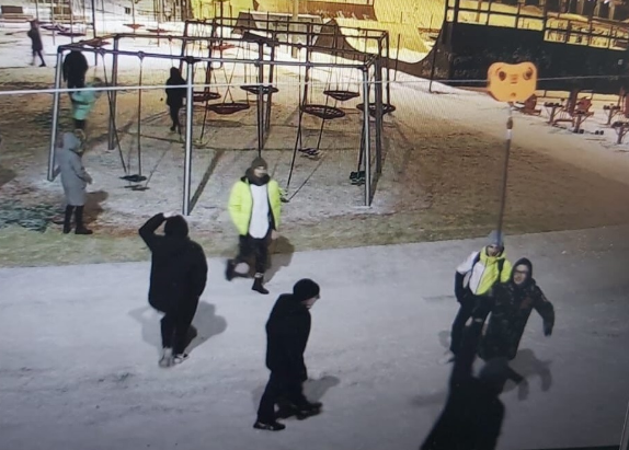 В Магнитогорске разгромили детскую площадку