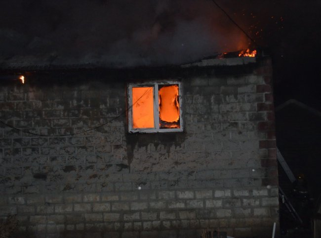 В одном из садовых товариществ города сгорел дом
