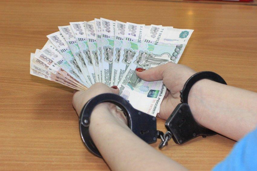 За дачу взятки челябинскому таможеннику задержан иностранный гражданин