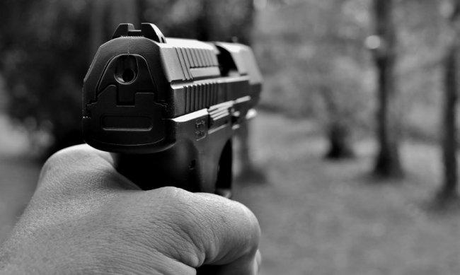 В Магнитогорске мужчина выстрелил в подростков
