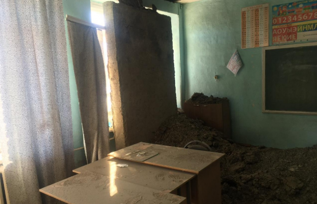 Крыша школы рухнула прямо во время урока