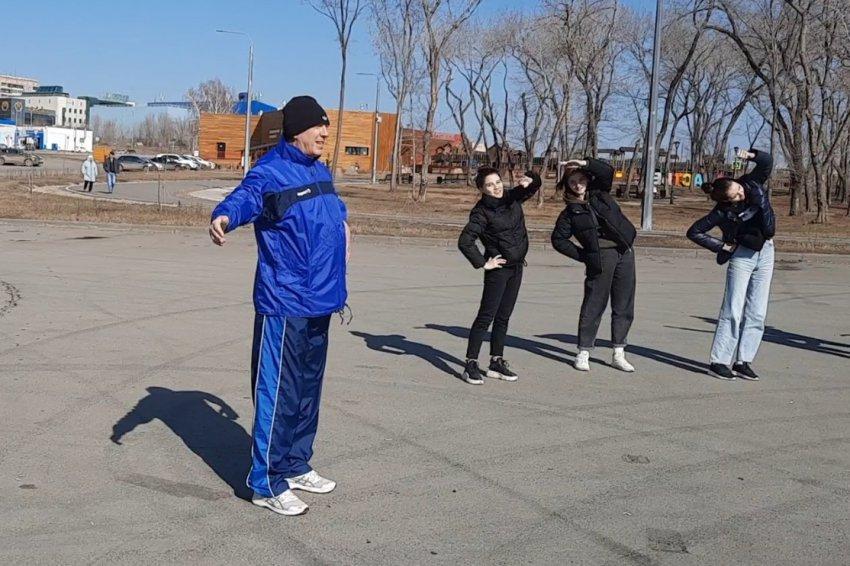 За заслуги в развитии физической культуры и спорта