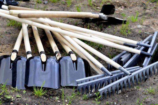 Готовим грабли и лопаты!