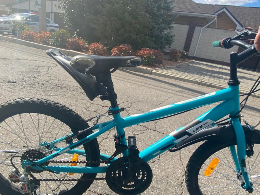 Несовершеннолетний велосипедист попал под машину