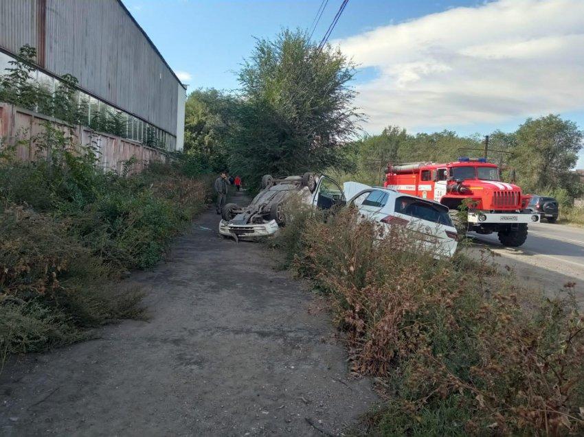 В Магнитогорске перевернулся автомобиль
