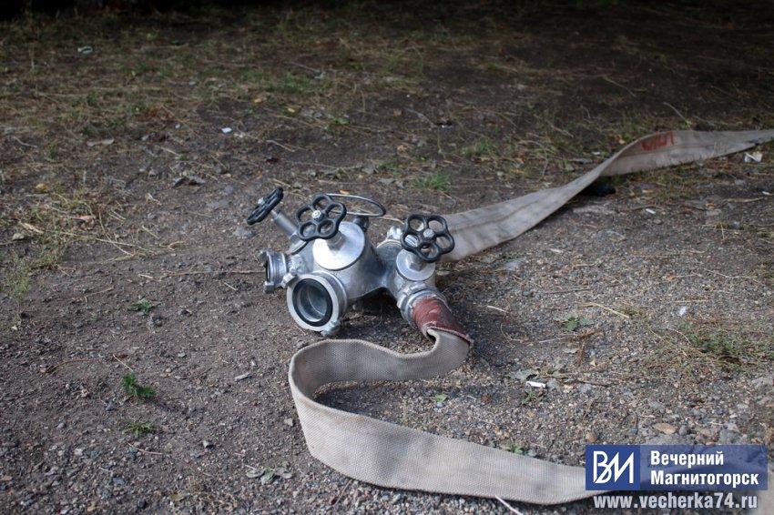 В Магнитогорске сгорели два автомобиля
